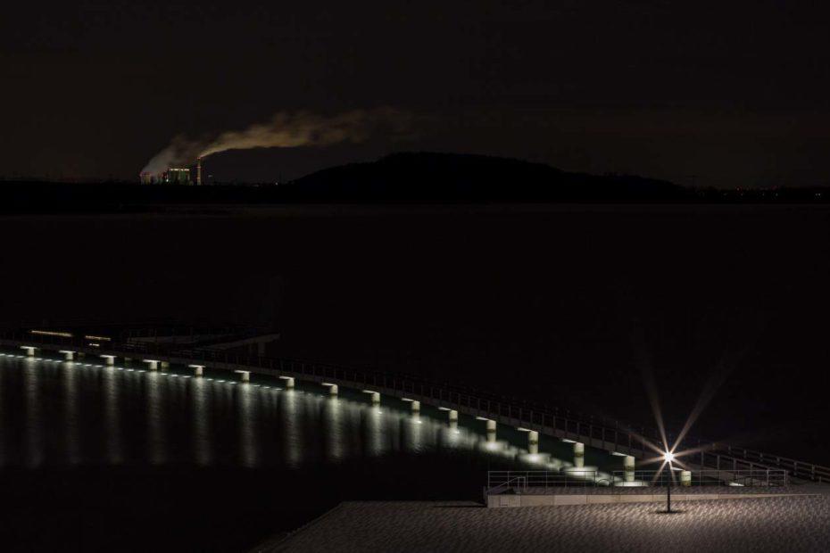 Die Seebrücke in Braunsbedra bei Nacht