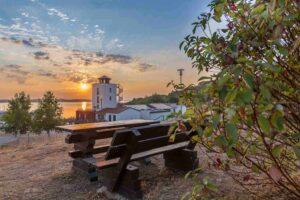 Marina Mücheln zum Sonnenaufgang