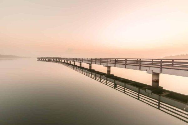 Bild 007   Seebrücke Braunsbedra im Nebel