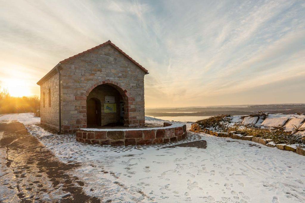 Europäische Begegnungsstätte zum Sonnenaufgang